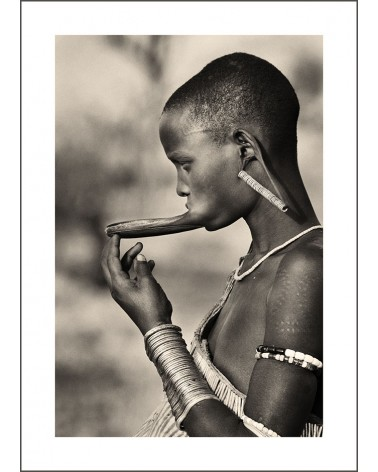 Le Labret - photographie Jacques-Michel Coulandeau  Jeune femme Mursi arborant un plateau labial