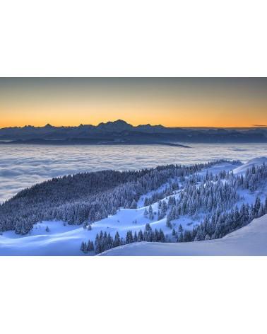 Montagnes du Jura - photographie Nicolas Gascard   Mont Blanc et mer de nuages au lever du jour.