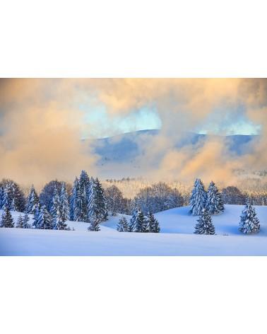 Embrasement atmosphérique - photographie Nicolas Gascard   Jeu de lumière hivernale en soirée sur le plateau jurassien.