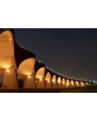 Les arches de la nuit - photographie Philippe Lagabbe   Pont lumineux.